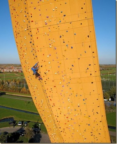 Mur d'escalade plus haut du monde-17