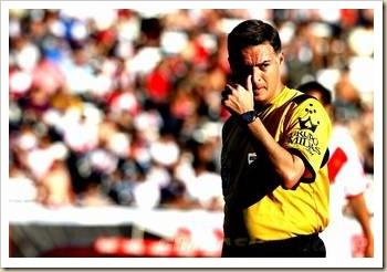 L'arbitre argentin Damian Rubino