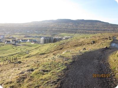 reiðgøtan í sólskini 001