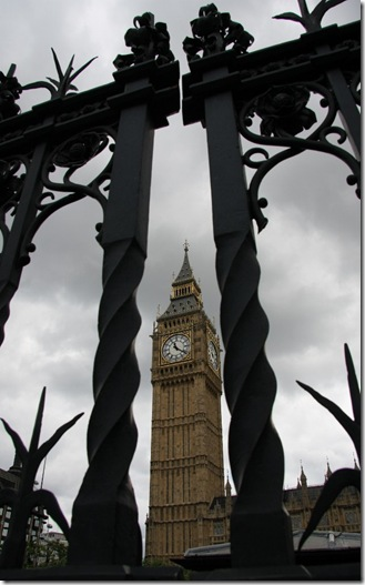 big ben through gate_7808 (636x1024)