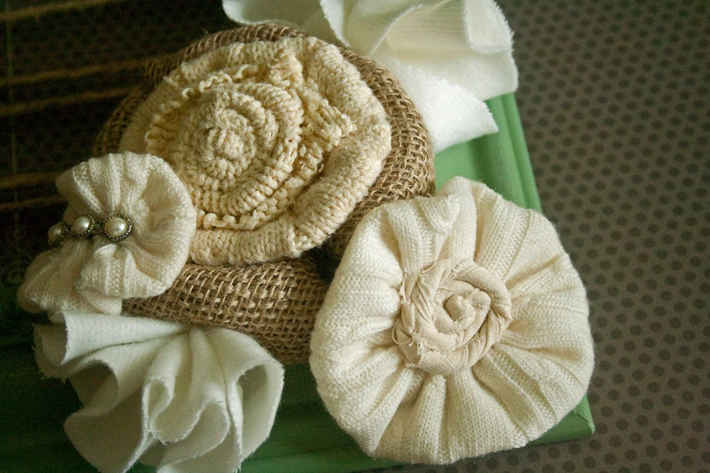 [Sweater Flower 060_edited-1[3].jpg]