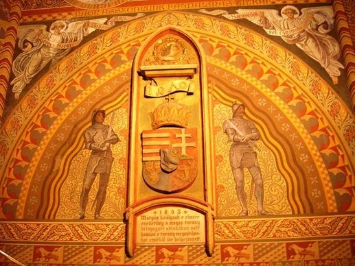El Escudo Real de Matias I Corvino, guardado por dos caballeros del Ejercito Negro