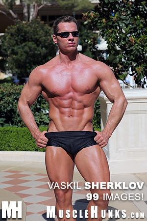 Muscle Hunk Vaskil Sherklov
