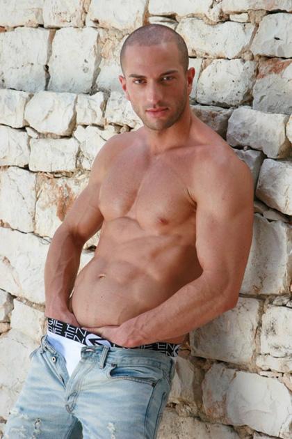 Sexy Muscle Hunk - Bruno