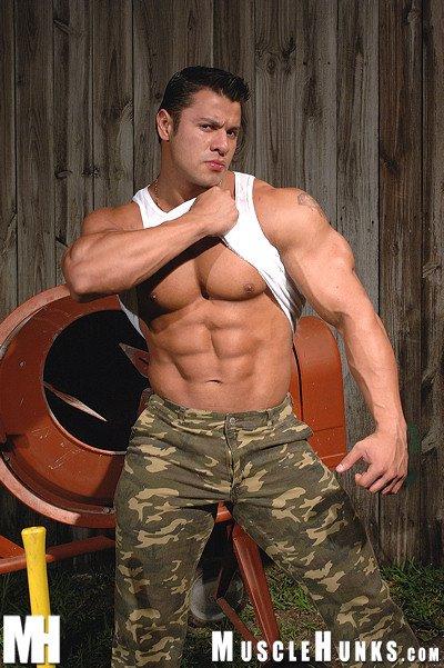 Muscle Hunk Raul De La Guardia from MuscleHunks Gallery 2