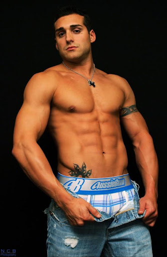 ... have a taste of my sexy muscle man. click thumbnails to enlarge pictures
