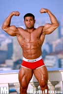 Hot Male Bodybuilder Roberto Bueno - Muscle Mountain