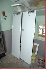 toilet doors paint