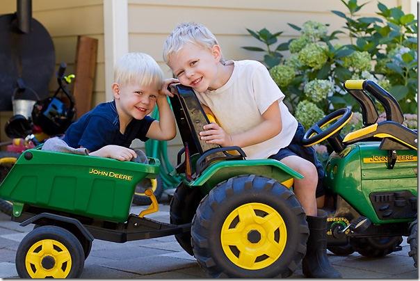 Sep-06-2010_boysintractor2