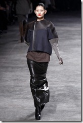 Rick Owens RTW Fall 2011 Runway Photos 23
