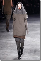 Rick Owens RTW Fall 2011 Runway Photos 17