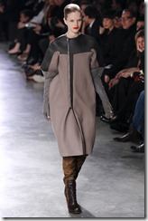Rick Owens RTW Fall 2011 Runway Photos 21