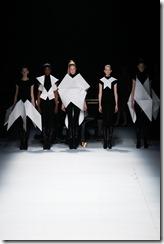 Issey Miyake Ready-To-Wear Fall 2011 Runway Photos 6