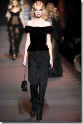 Christian Dior Ready-To-Wear Fall 2011 Runway Photos 42