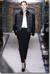 Yves Saint Laurent Ready-To-Wear Fall 2011 Runway Photos 6