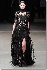 Alexander McQueen RTW Fall 2011 Runway Photos 31
