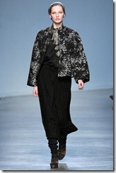 Vanessa Bruno Ready-To-Wear Fall 2011 Runway Photo 32
