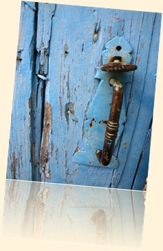 puerta azul 2