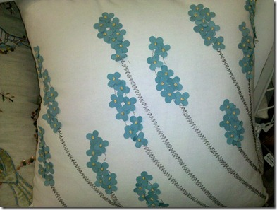 BBandB Flower Pillow