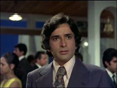Shashi Kapoor in Aa Gale Lag Ja