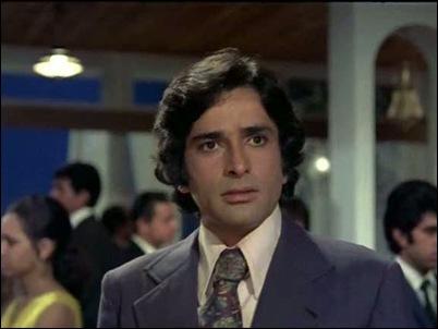 Shashi Kapoor in Aa Gale Lag Ja