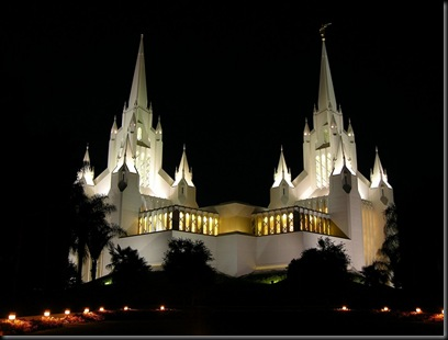 2004-san-diego-temple-at-night