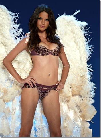 ملاك أنثى