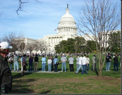 Beginning of Human Circle Around the Captial in DC 03.20.10