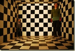 Ames Room illusion by Mattox