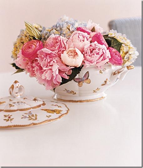 pink-flower-arrangement_300