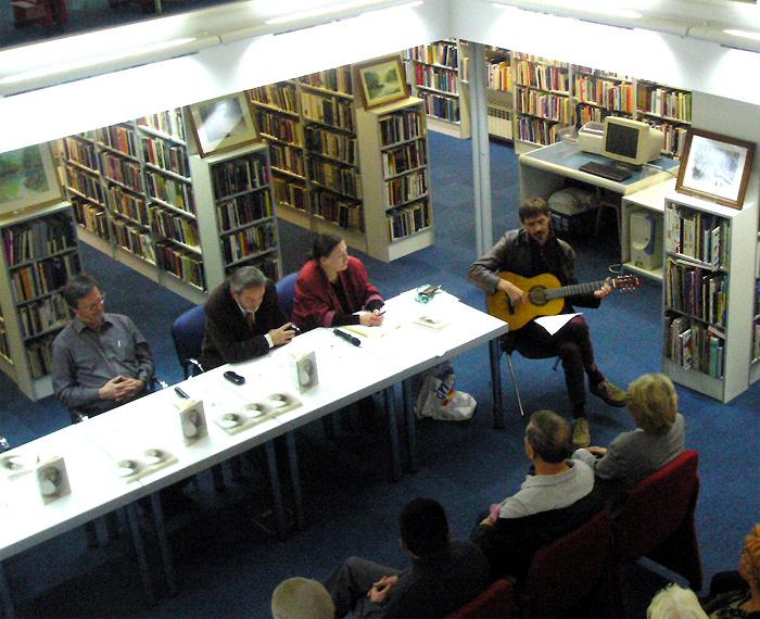 """Ivica Smolec - Promocija knjige """"Buđenja"""" Milana Ilića, Knjižnica """"Bogdan Ogrizović"""", Preradovićeva, Zagreb, 2009. - 2"""