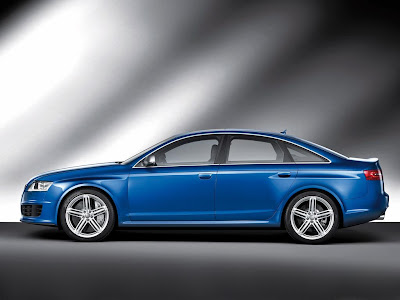 Audi RS6 2009 Side View