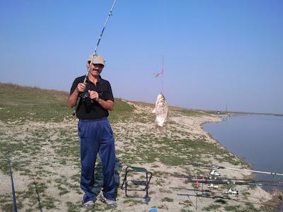 Tata si marea captura prinsa pe Canalul Dorobantu