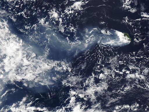 Piton de la Fournaise 火山喷发