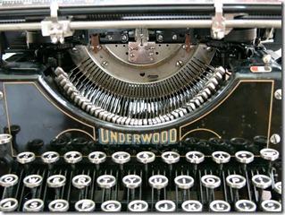 01-manual-typewriter
