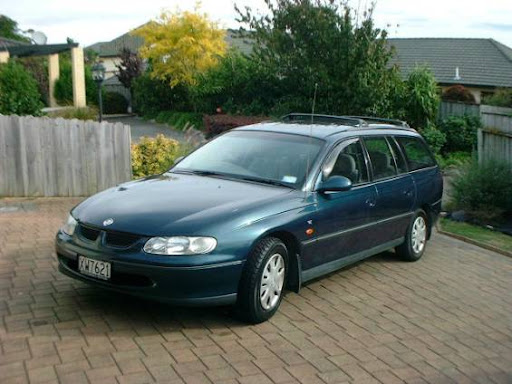 Holden Commodore Vt 2000. vt commodore wagons
