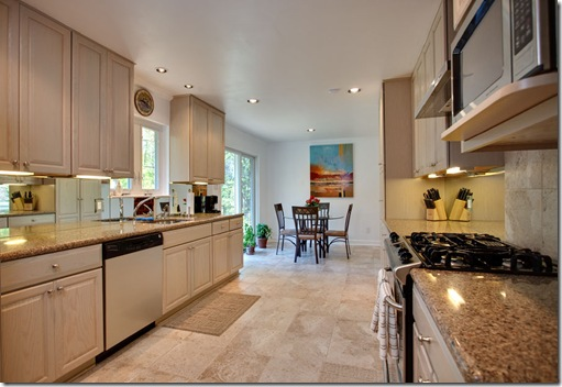 8317 Leawood_kitchen4