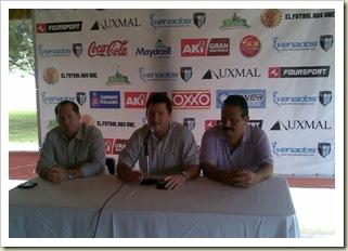 Rueda de prensa Mérida FC 04-12-10  01