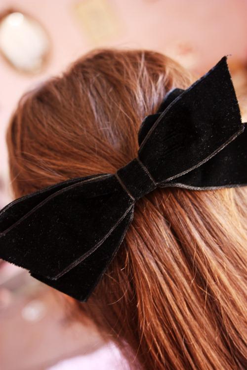 black bow1