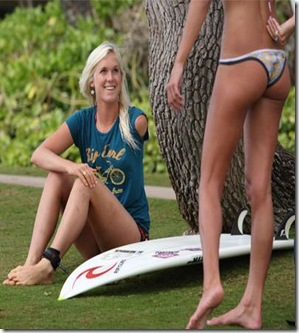 Hot-Surfer-Chicks-11