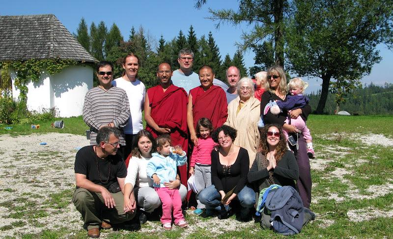 תמונה קבוצתית עם לאמות טנזין ואוזר