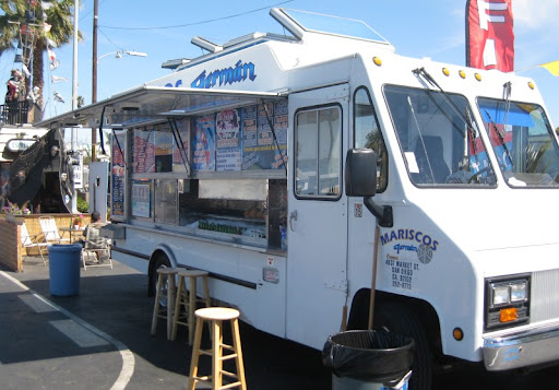 Mariscos German Truck in Ocean Beach