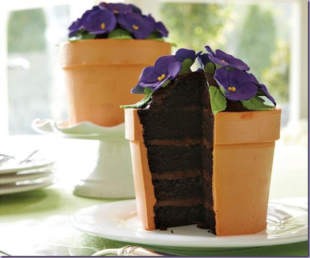 Bolo-Chocolate-Vaso-Flor-Violetas