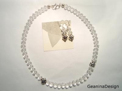 Colier din cristale Swarovski cu detalii dantelate din argint.