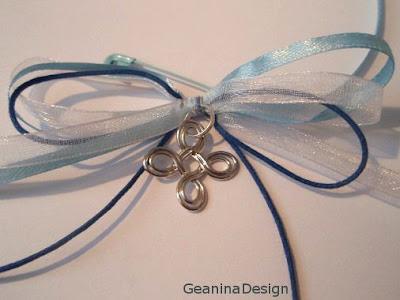 Cruciulite marturii pentru botez cu panglici albastre pentru parinti si nasi, Geanina design.