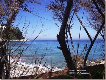 Solo travel wanderlust Capri spiaggia