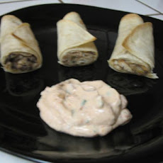 Chicken and Black Bean Taquitos With Adobo Sour Cream  (3 Ww Poi