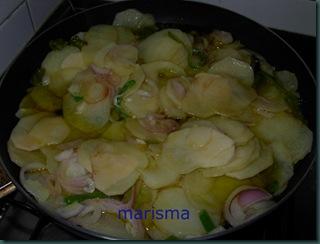 tortilla de patata con cebolla morada-2