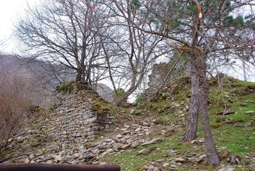 4-ruderi al Castello