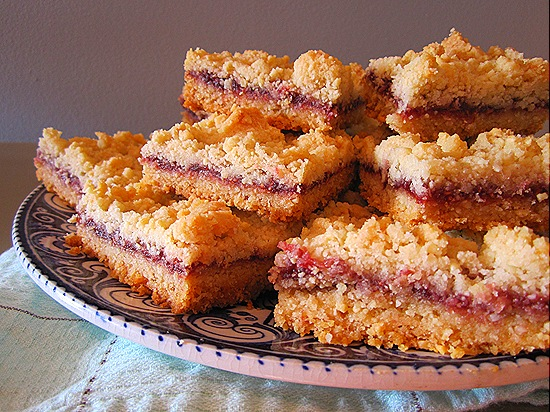 Raspberry-Almond Shortcake Bars
